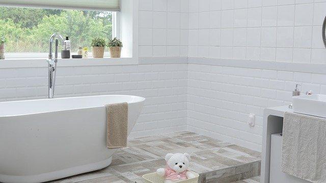 łazienka w stylu glamour inspiracje